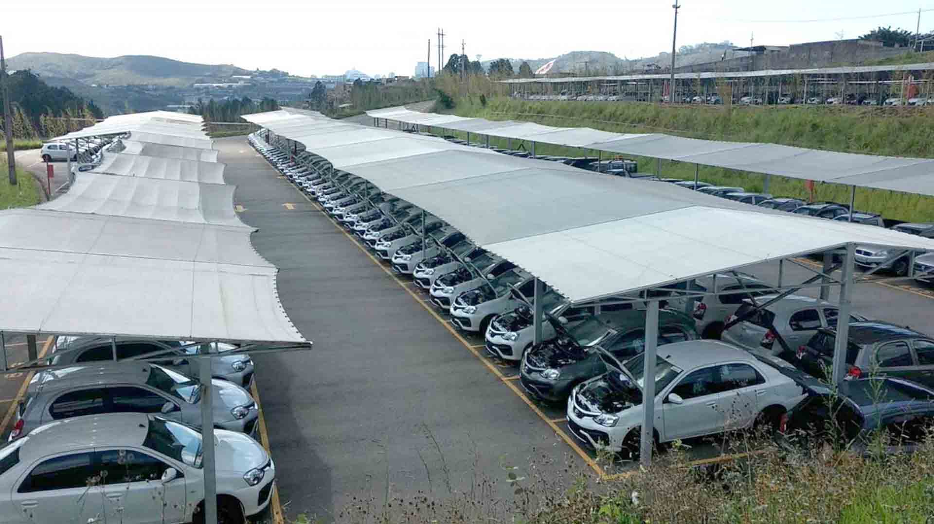 Parqueamento e guarda de veículos